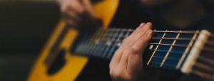 How to Set Up The Perfect Guitar Practice Space for Your Child